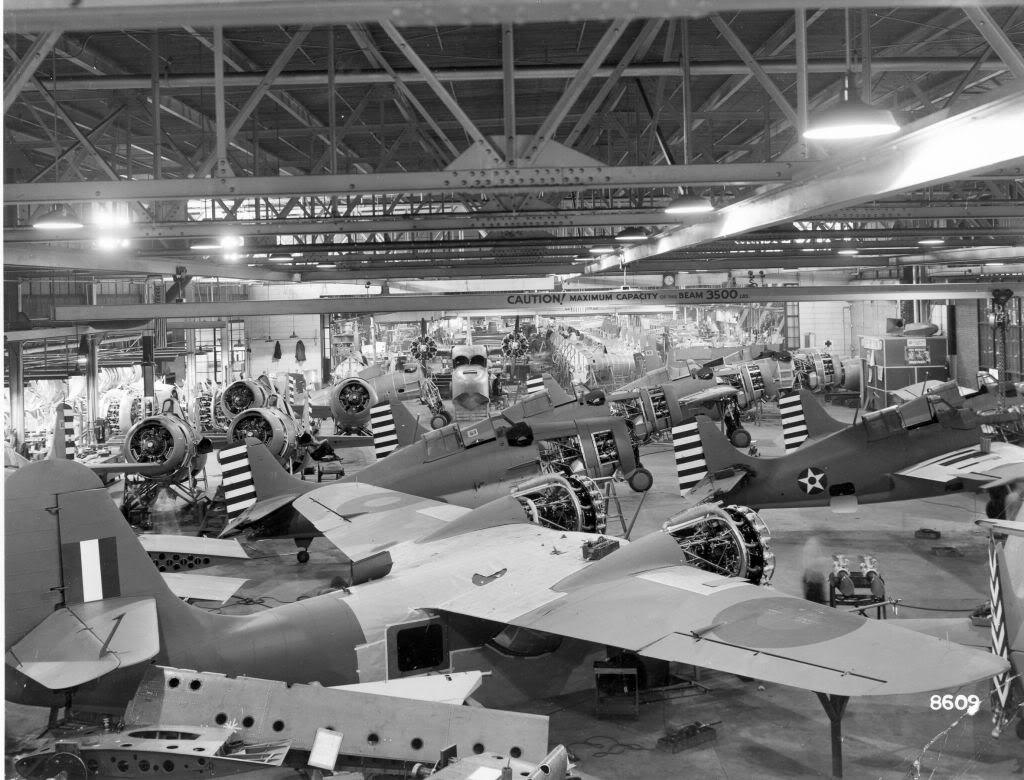 068_grum701F4F-4production2.jpg
