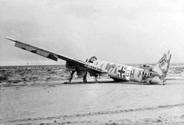 Damaged_Ju_88D_at_Fuka_1942.jpg