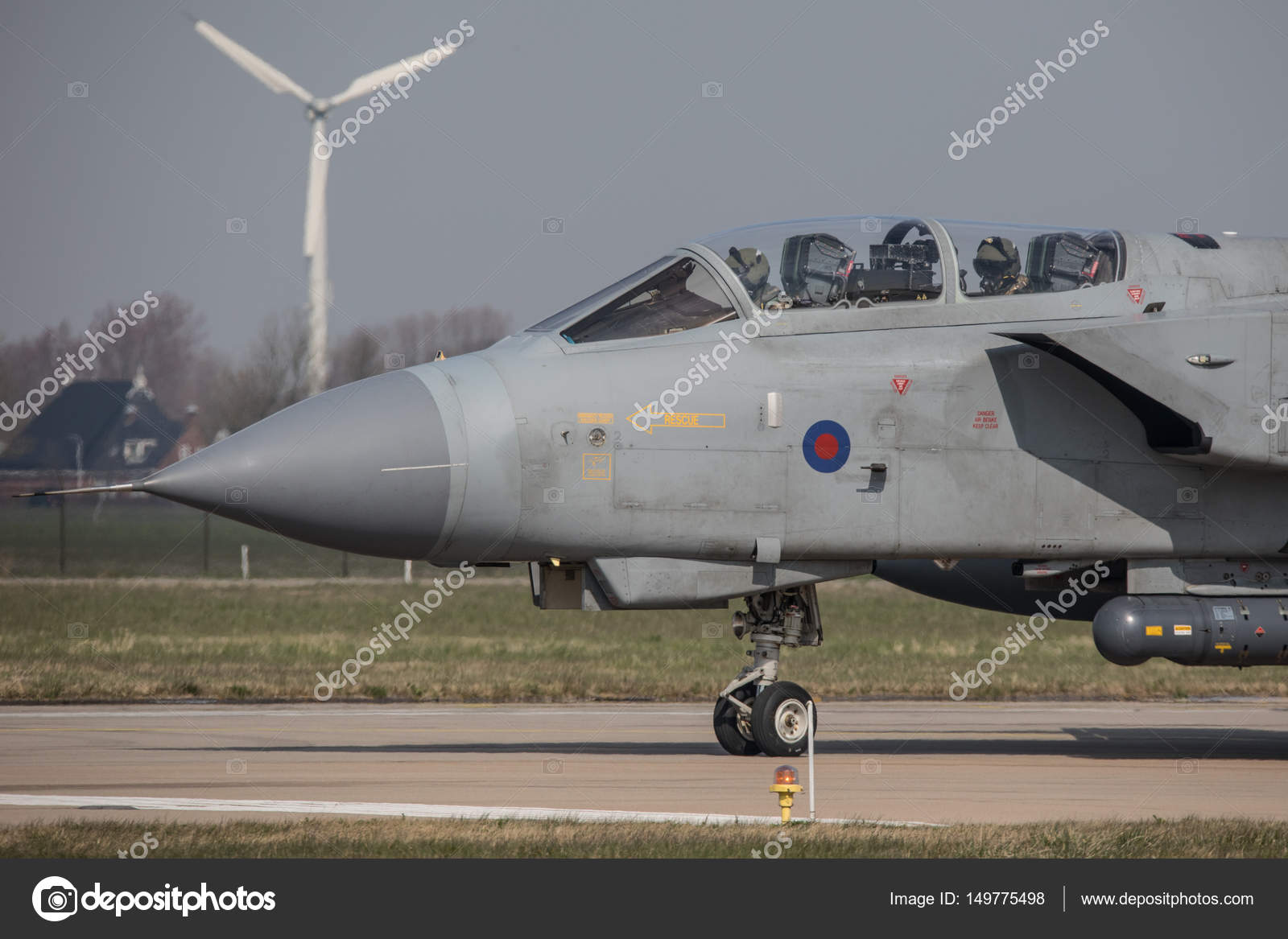 depositphotos_149775498-stock-photo-royal-air-force-panavia-tornado.jpg