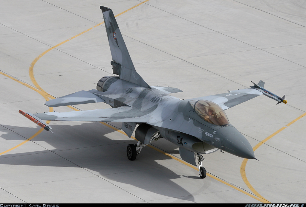 Fighting Falcon 0026.jpg